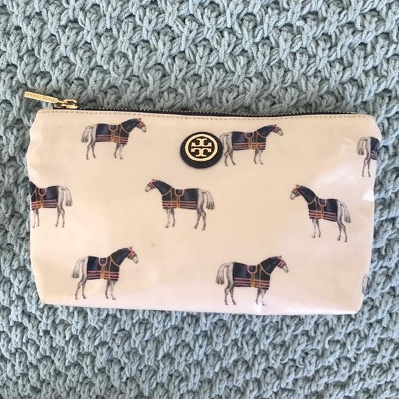 a0c9d799fdf3 TORY BURCH- Horse Equidae Cosmetic bag. M 5ae2432785e60523fe8922fb